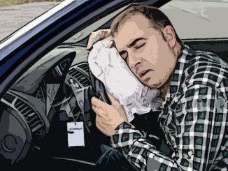 Сидел пьяным в своей машине – лишили прав!